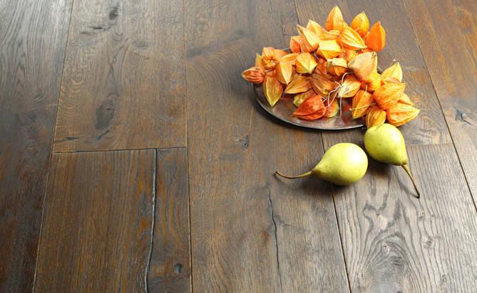 hand scraped oak engineered wood flooring