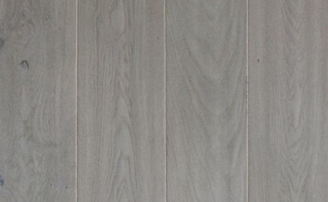 invisible lacquered floating European oak floor